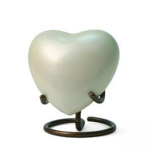 Satoria Pearl Heart Keepsake