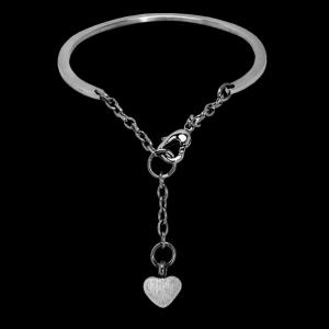 Petite Heart Bracelet – Bangle-style with Heart